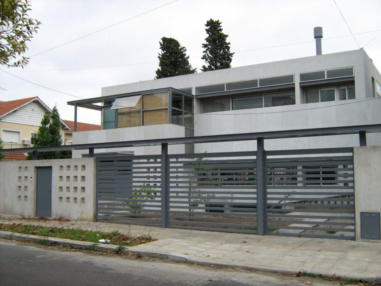 La Lucila House
